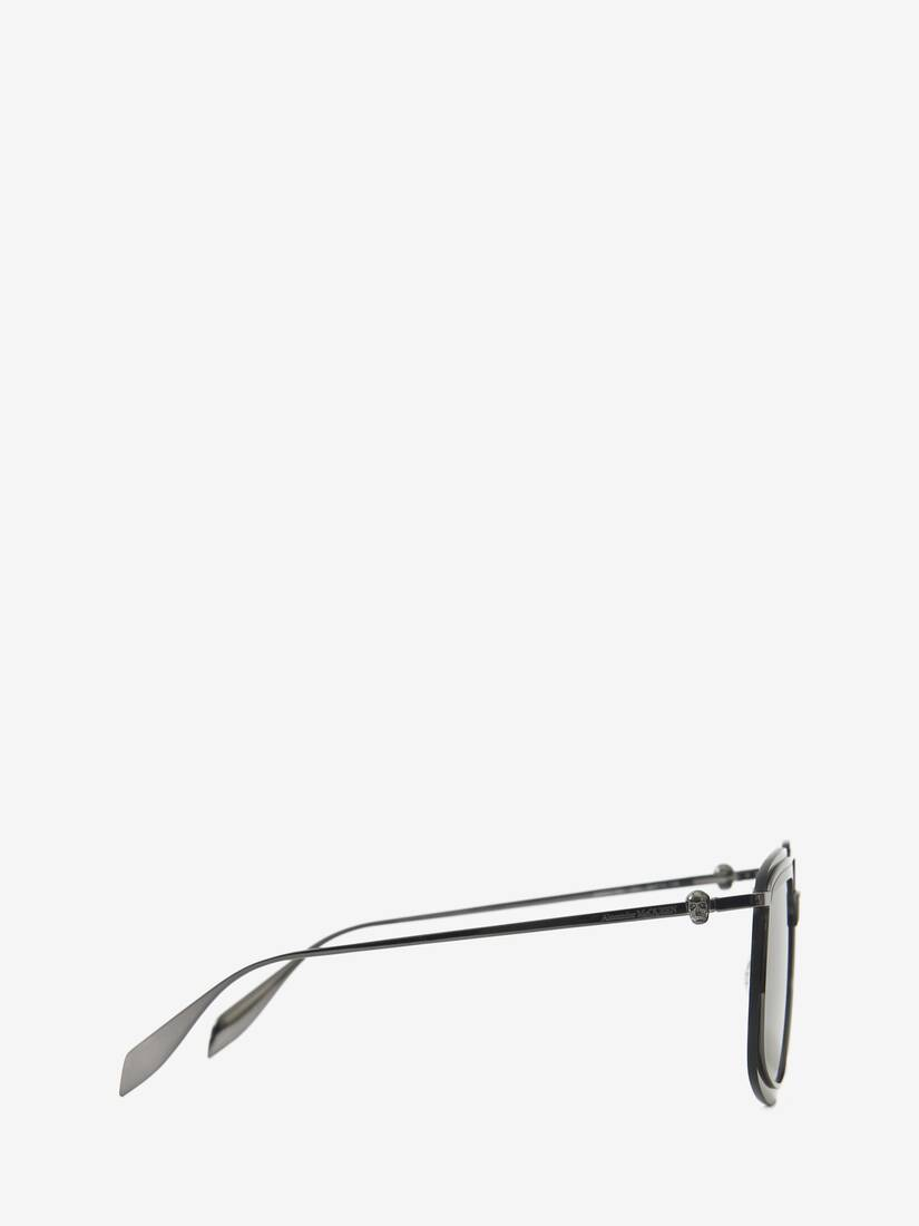 Display a large version of the product image 2 - Metal Frame Square Sunglasses