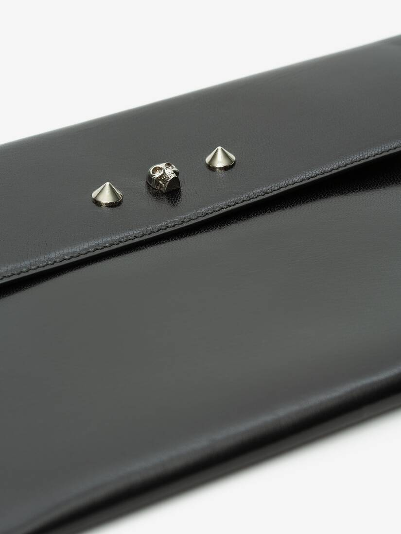 Display a large version of the product image 5 - Skull and Stud Envelope Clutch