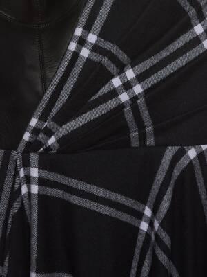 비대칭 체크 블랭킷 드레스