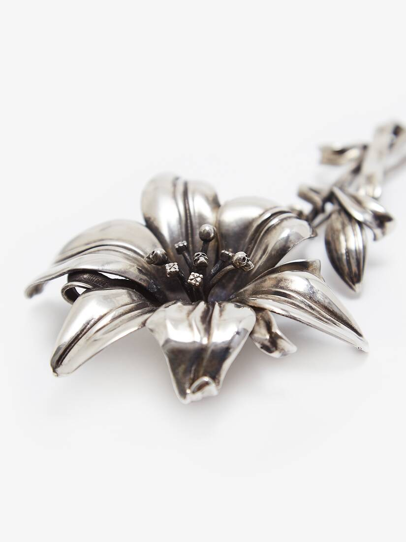 Display a large version of the product image 3 - Lily Brooch