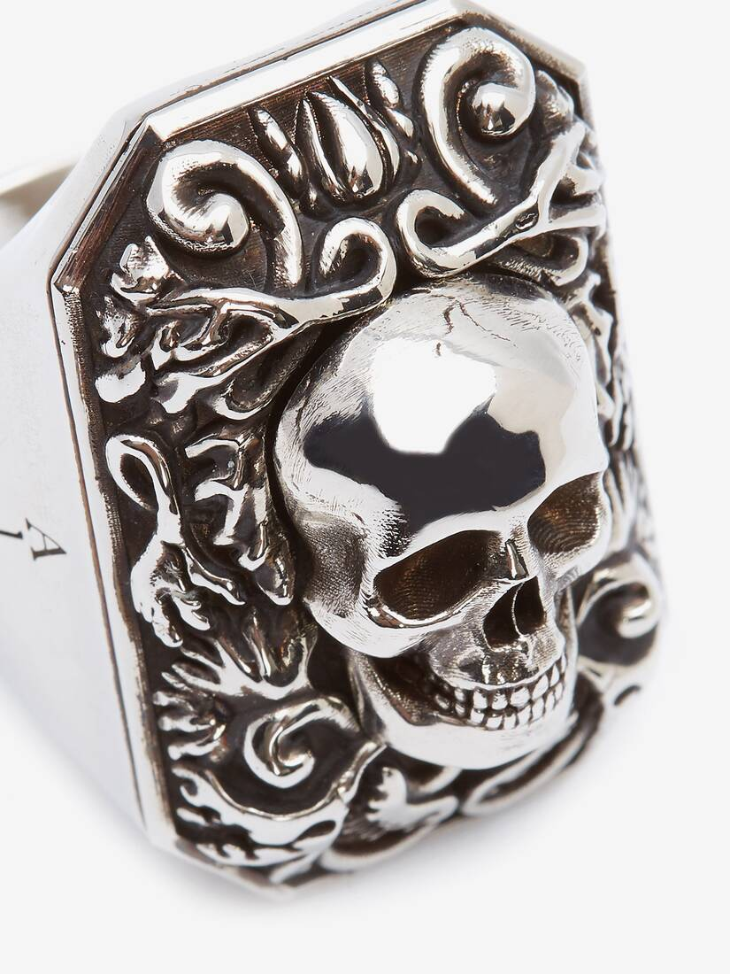 Display a large version of the product image 4 - Engraved Skull Ring