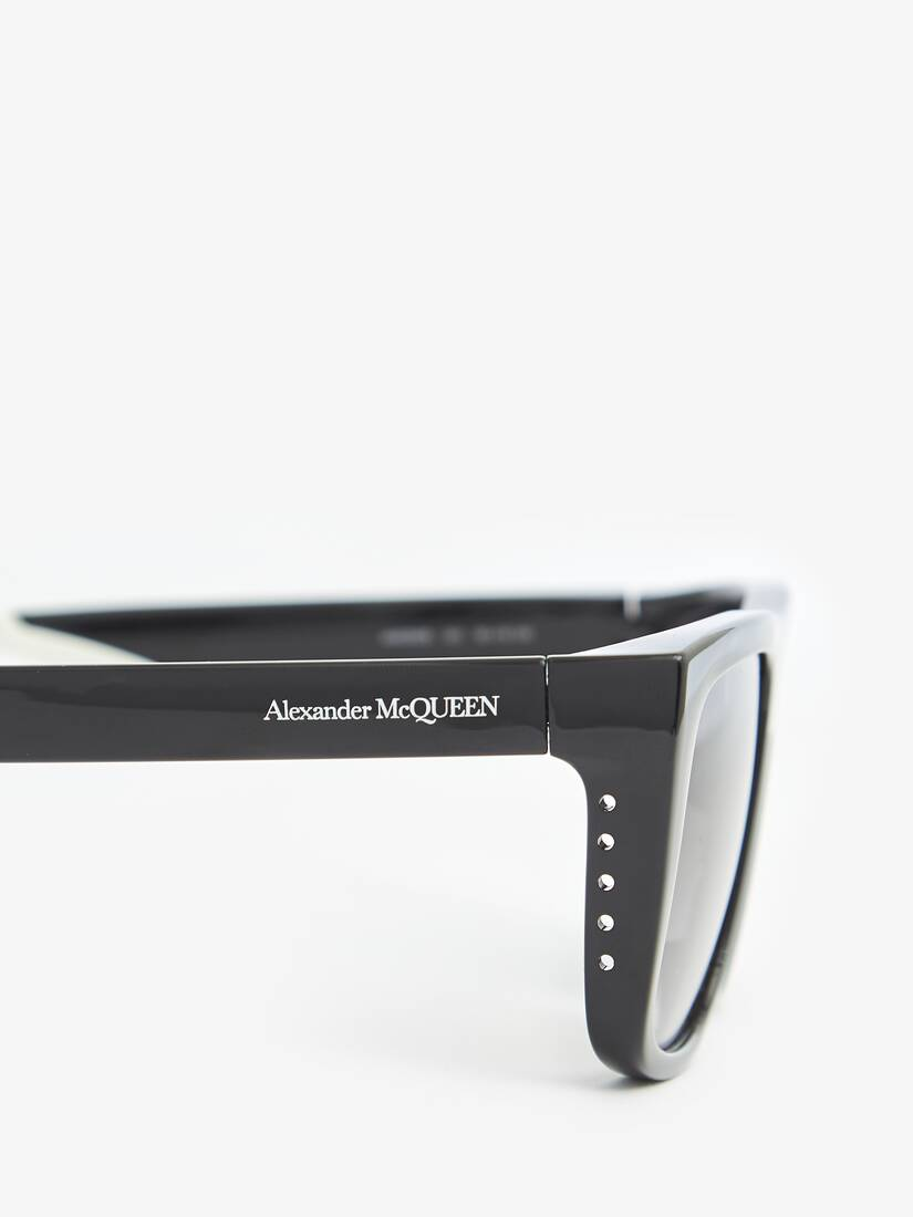 Display a large version of the product image 4 - Court Rectangular Sunglasses