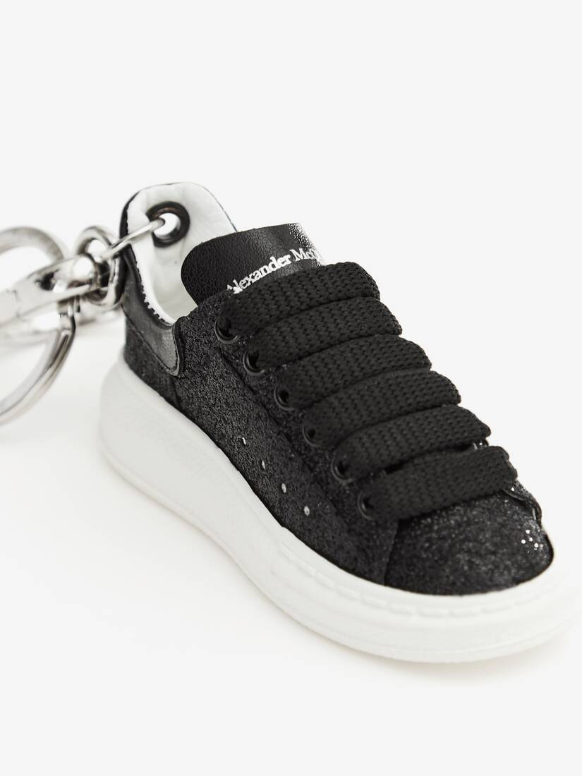 Display a large version of the product image 3 - Oversized Sneaker Keyring