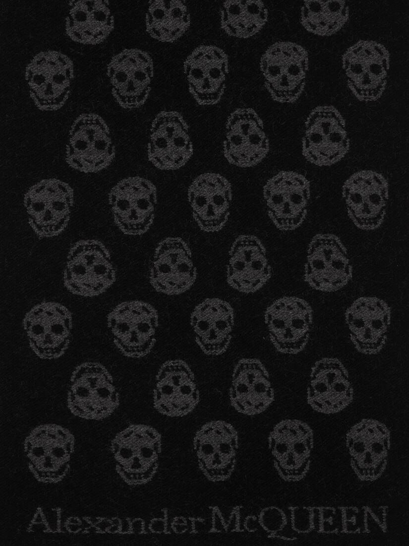 Display a large version of the product image 4 - Reversible Skull Scarf