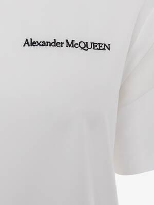 T-shirt signature