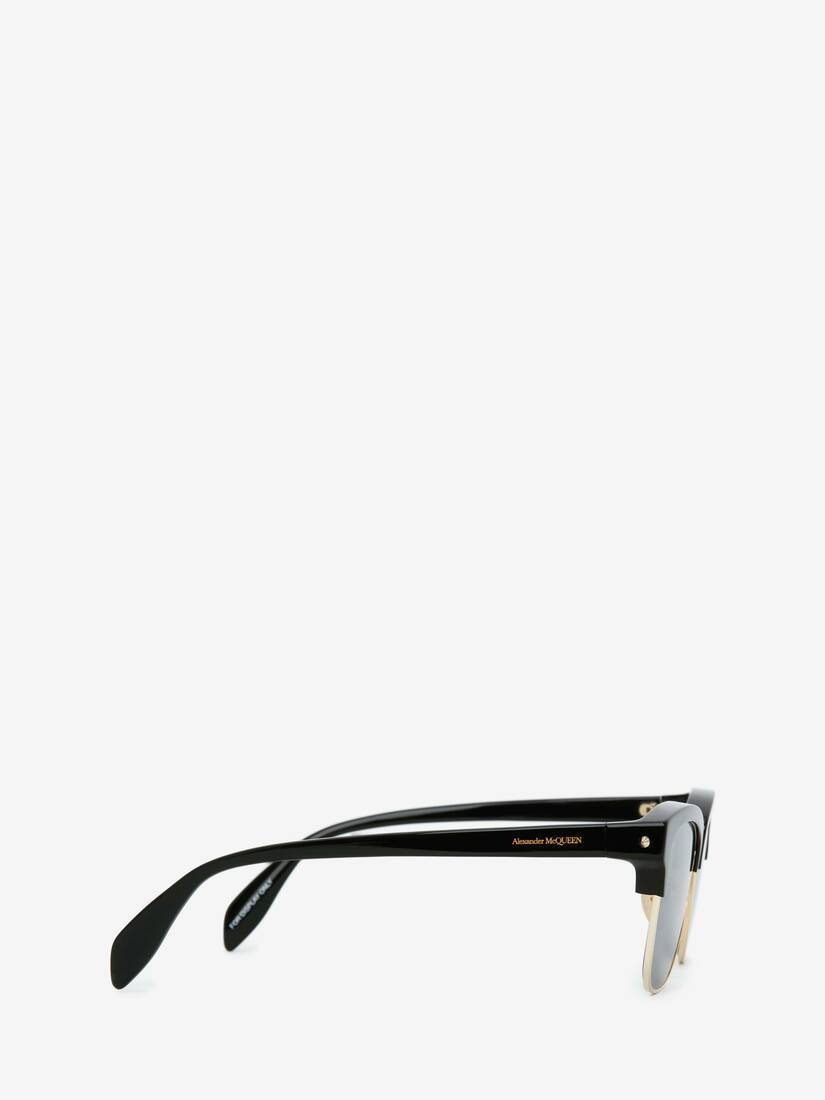 Display a large version of the product image 2 - Piercing Square Sunglasses